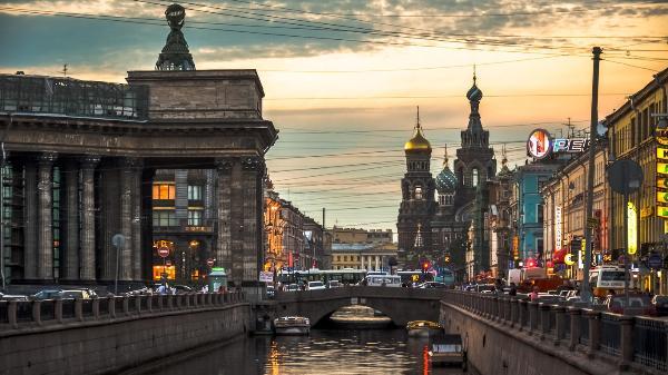 Власти Петербурга рассчитывают в кратчайшие сроки решить вопрос введения электронных виз