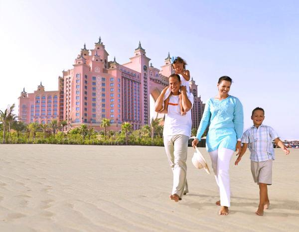 ОАЭ освободили детей от визовых сборов на период летних каникул
