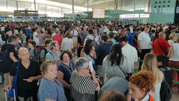 Ростуризм призвал операторов оповещать клиентов о проблемах с транспортом