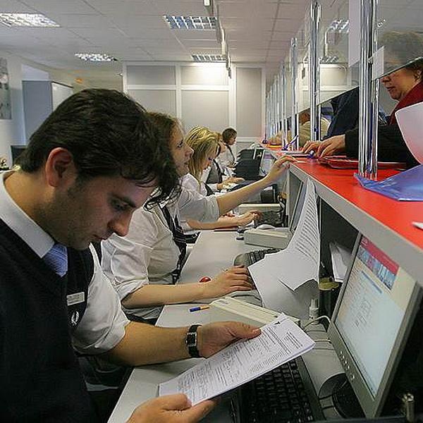 Визовые центры в России хотят заставить аккредитовываться