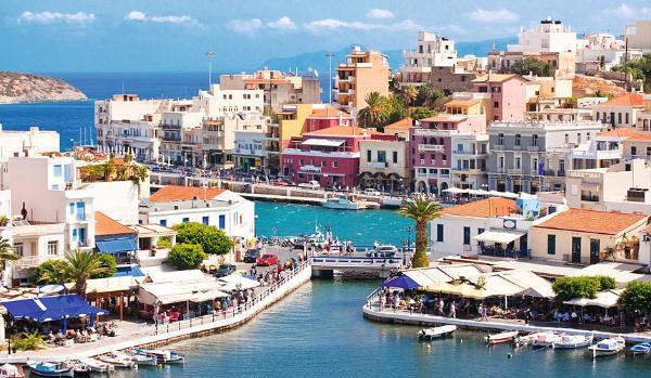 Туристических рейсов на Крит станет меньше