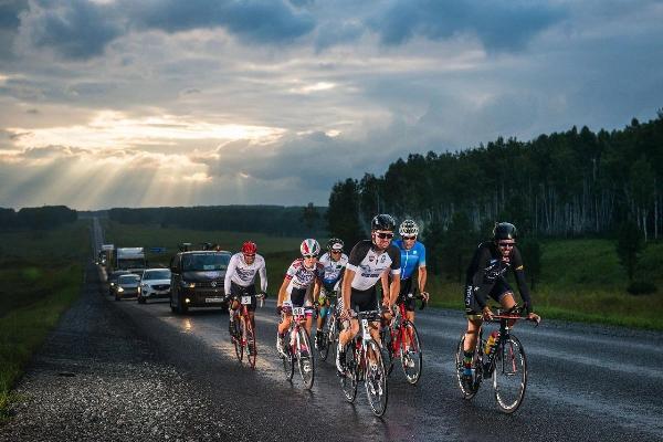 От Москвы до Владивостока – почти 9100 км велогонки Red Bull Trans-Siberian Extreme