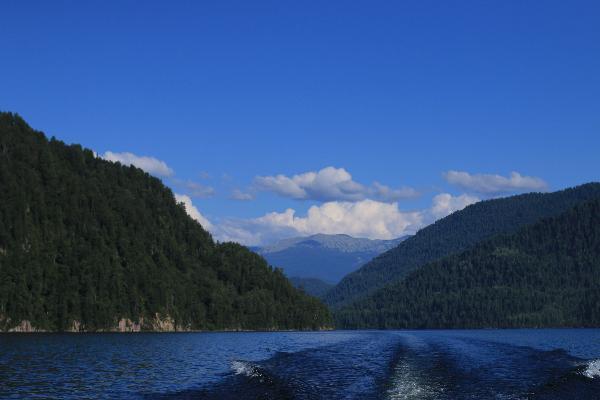 Набережные и пирсы построят вокруг Телецкого озера на Алтае, чтобы снизить вред от туризма