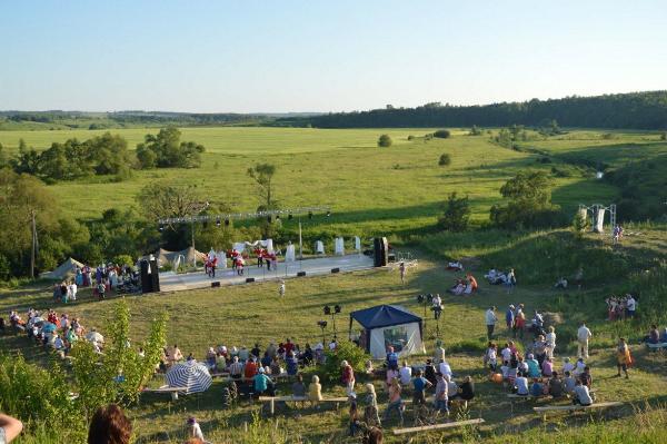 Памятник Тургеневу открыли в родовом имении писателя в Тульской области