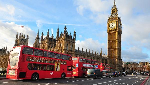 Туристам из Петербурга рекомендуют подавать заявления на британскую визу за полтора месяца