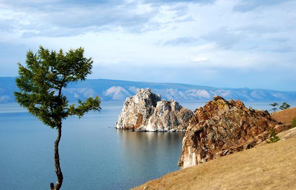На Ольхоне для посещения открыты только два маршрута – на юг и на север острова