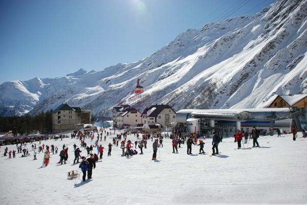 Кабмин выделит около 18 млрд рублей на развитие туризма на Северном Кавказе