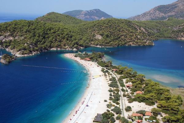 Определены самые красивые и романтичные секретные пляжи мира