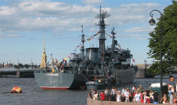 День ВМФ в Петербурге стал приманкой для туристов