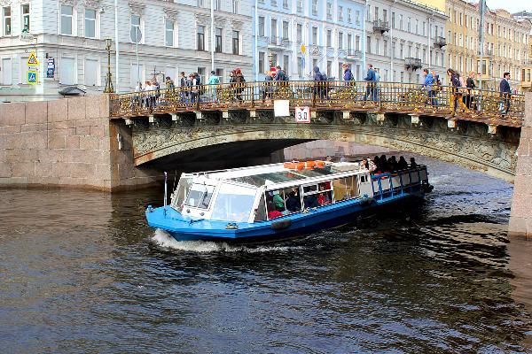 В Санкт-Петербурге во время ЧМ число иностранцев на водных экскурсиях выросло в 1,5 раза