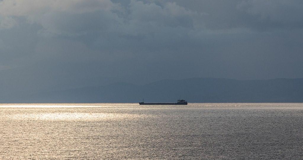 Счет за сотню миллионов: в порту Мариуполя считают убытки от простоя судов в Керченском проливе