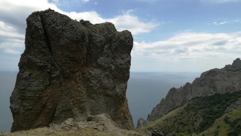 В Крыму открыли новый туристический маршрут от Коктебеля на Кара-Даг