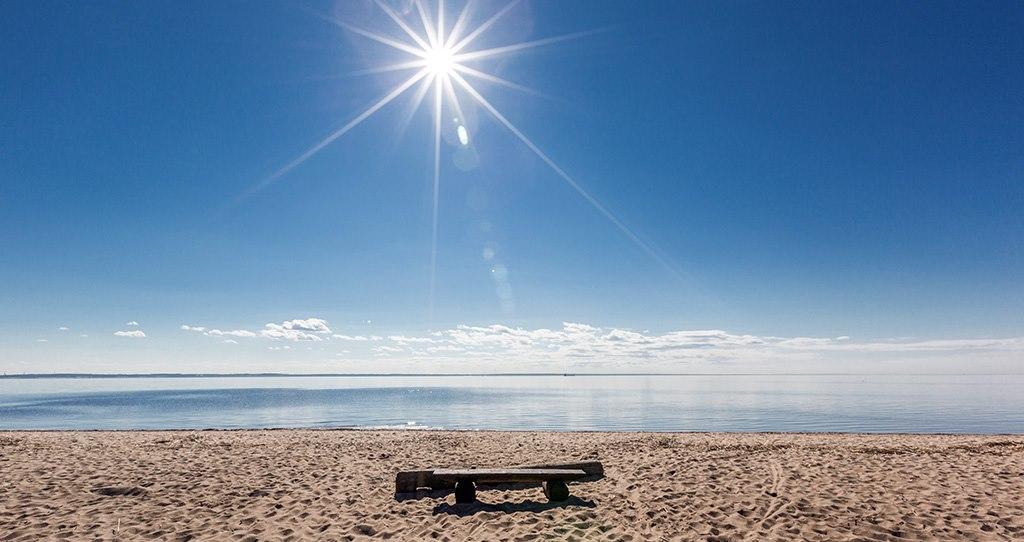 К середине июля в Крыму не смогли официально открыть все пляжи