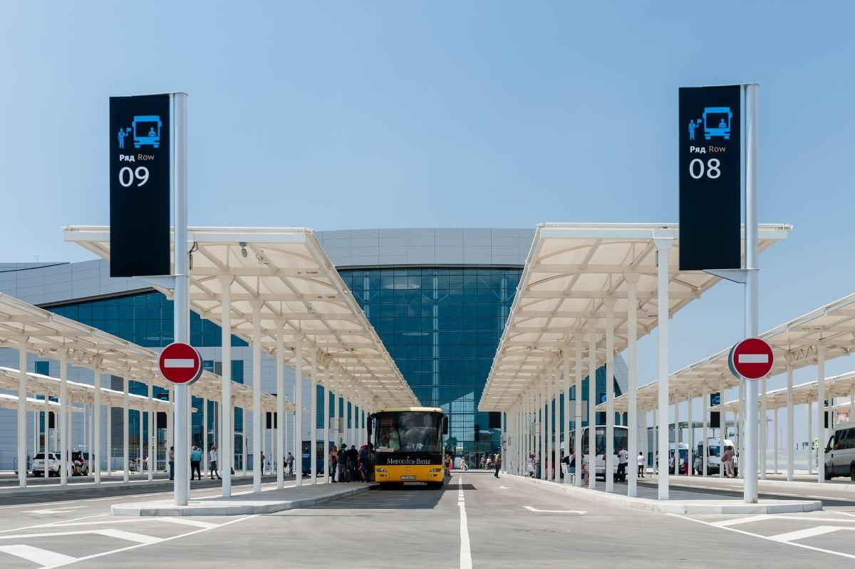 Симферопольский «Горавтотранс» запустил ночные автобусные рейсы в новый терминал аэропорта Симферополь