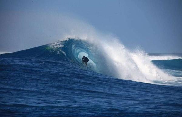 На волне: крупнейшие летние серфинг-фестивали в Индонезии
