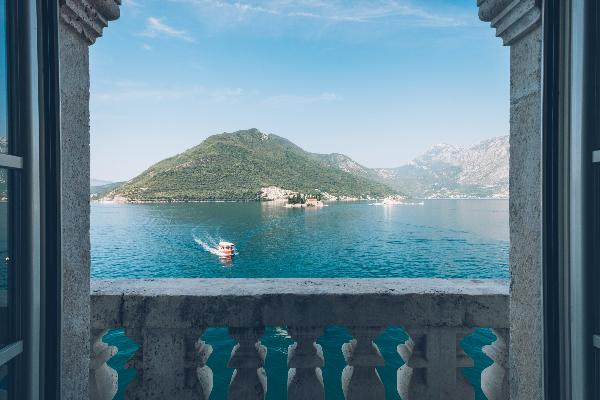 В черногорском дворце открыли отель