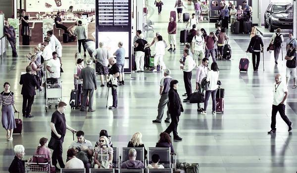 Более 2 тысяч россиян могут оказаться без обратных билетов в Болгарии