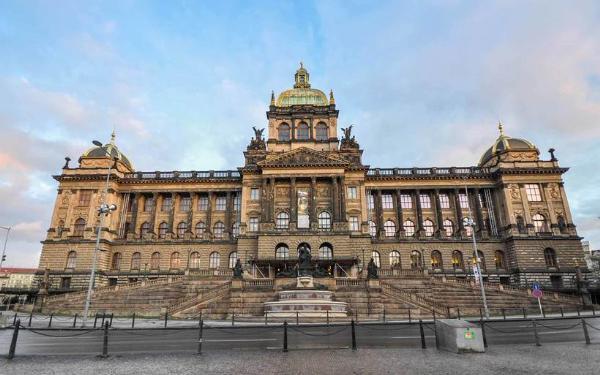 Национальный музей в Праге откроют после семилетней реконструкции
