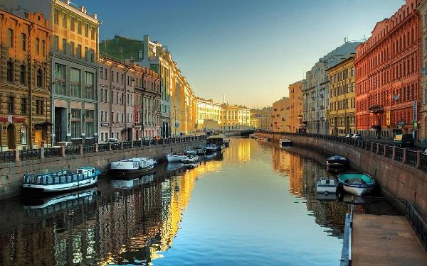 Туристический сбор в Петербурге должен быть фиксированным и не взиматься с россиян