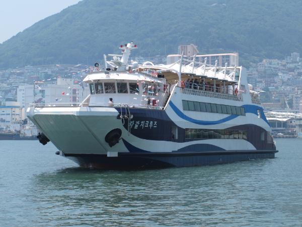 Экскурсионный пароход «Чагальчхи Круиз» начал работу в Пусане