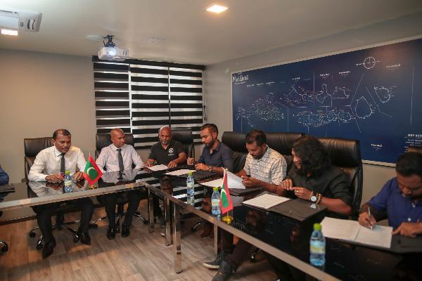 На Мальдивах в очередной раз подписали госпрограмму в поддержку развития фотоиндустрии