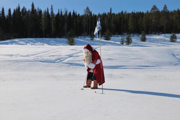 Зимний гольф в клубе Санта-Клауса