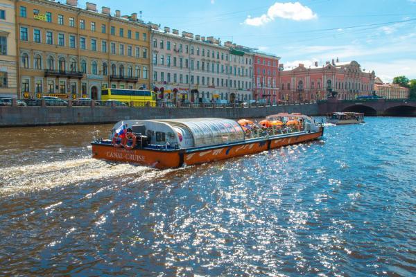 Спрос на водные экскурсии в Петербурге по итогам сезона 2018 года увеличился на 9%