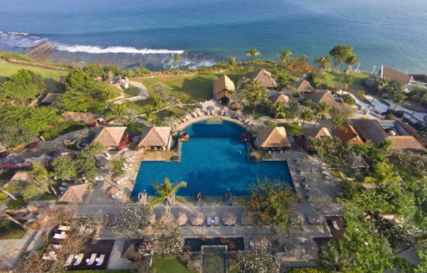 Один из отелей острова Бали ввел запрет на звонки и сообщения