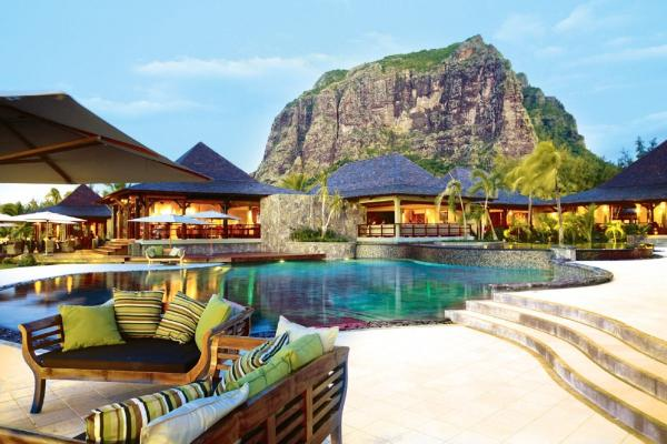 Победа LUX* Le Morne на церемонии World Luxury Hotel Awards