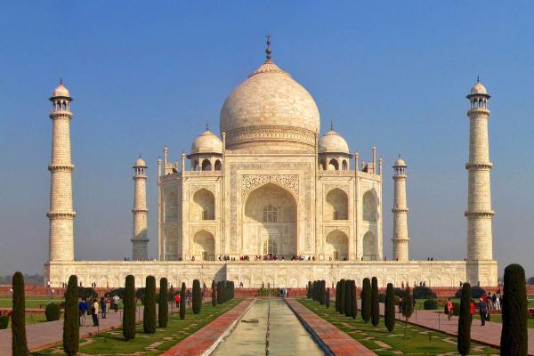 Володин предложил убрать визовые барьеры при турпоездках между Индией и Россией
