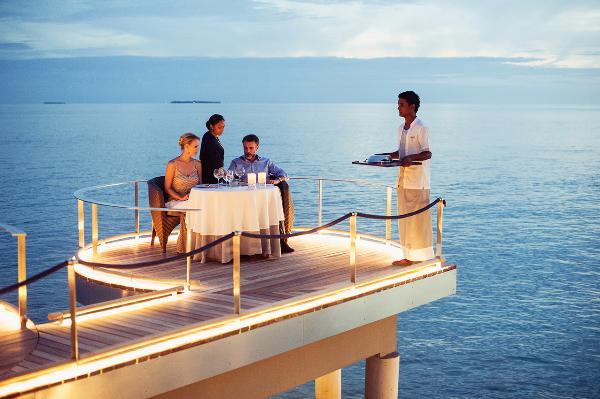Знаменитые виноделы на курорте Velaa Private Island Maldives