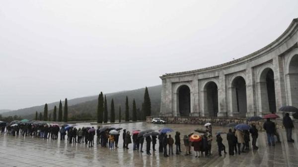 Из-за предложения об эксгумации Франко выросла туристическая популярность Долины павших