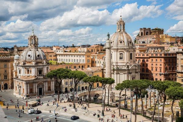 Власти Рима запретили туристическим автобусам въезжать в исторический центр города