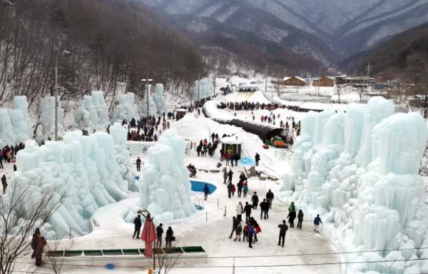 Фестиваль ледяных фонтанов открылся в Южной Корее