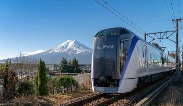 Fuji Excursion: Фудзи–Токио экспресс