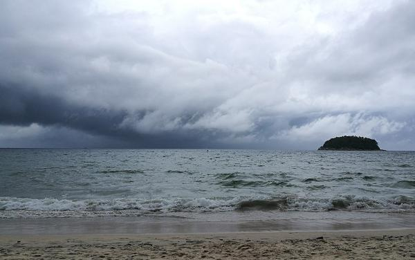 Сильный тайфун накрыл юг Таиланда