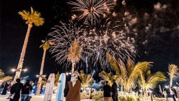 Жителям Дубая обещают целый месяц салютов
