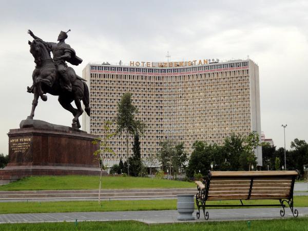 В Узбекистане неженатые пары теперь смогут жить в гостинице в одном номере