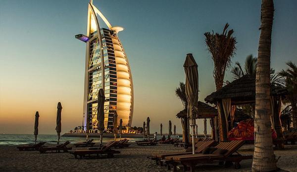 Туроператоры сократили полетные программы в ОАЭ