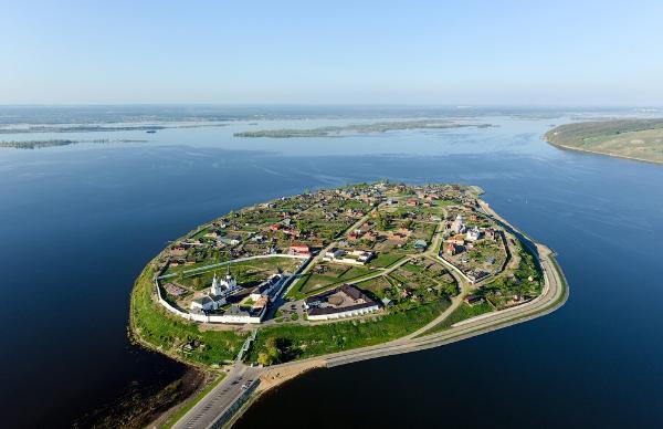 Древний город Болгар и остров-град Свияжск полностью восстановили в Татарстане