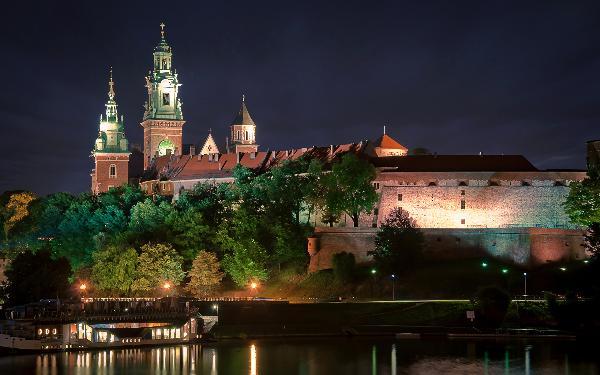 Названы самые интересные европейские города для бюджетного туризма